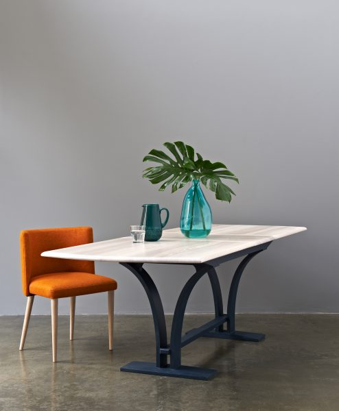 EXTENDABLE_DINING_TABLE_021