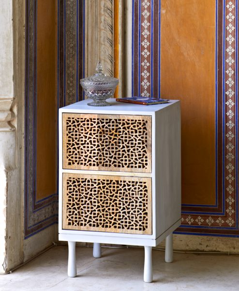 FRETWORK_SIDETABLE_002