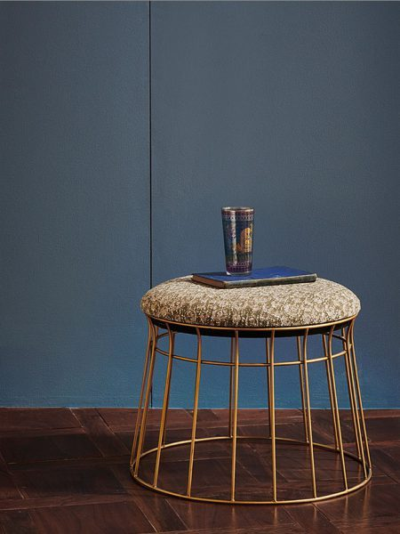 GOLD_WIRE_FOOT_STOOL_089-450x600