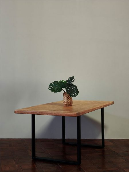 TRESTLE_DINING_TABLE_OAK_005-2-450x600